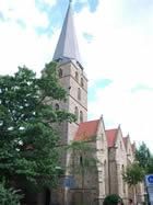 Der Turm mußte von 1906 - 10 neu erbaut werden. Jetzt ist er 71 m hoch