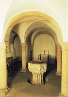 Die Taufkapelle mit ihrem gotischen von Taufstein 1490